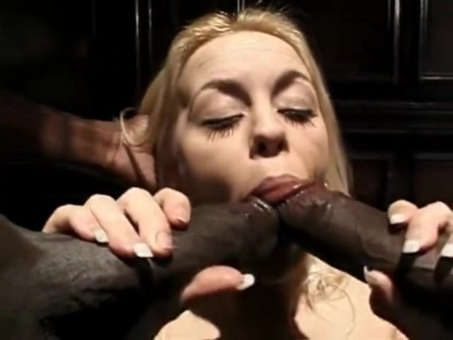 White widow gets interracial hardcore dp