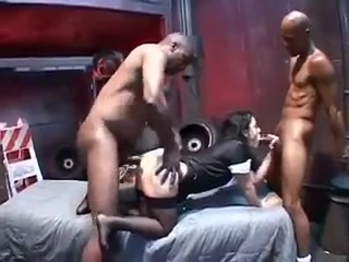 Mature slut mom De Bella gets black gangbang hardcore